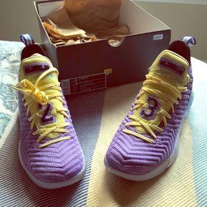 Brand new Lebron XVI Lakers Heritage